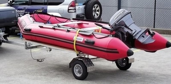 Folding trailer inflatable